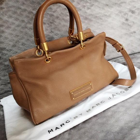 6f46699685e8 Marc Jacobs Too Hot To Handle Satchel Bag. M 5a8a099c5512fd7e622f26a7